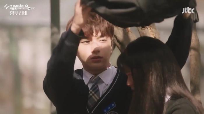 L (Infinite) bị Go Ara từ chối lời tỏ tình, đồng thời tiết lộ 'ngoài gái gú thì còn thích xem phim nóng' ảnh 17
