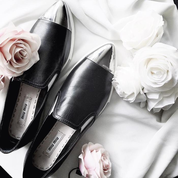 Từ giày bít mũi ánh kim của Miu Miu…
