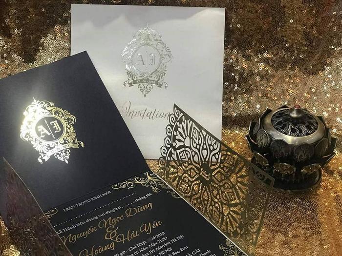 Thiệp cưới rất tinh xảo