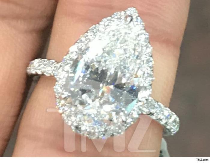 Cận cảnh chiếc nhẫn có giá bằng cả một gia tài…