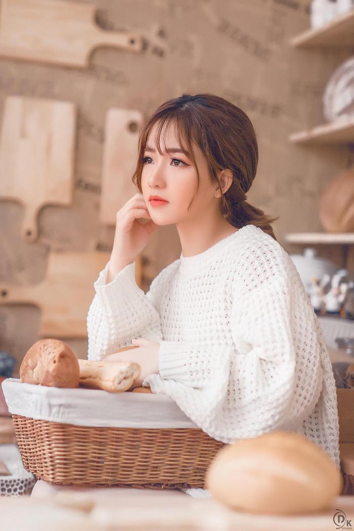 Trang hiện đang làm kỹ thuật viên tại một spa ở Hà Nội.