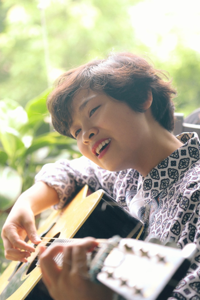 Một số hình ảnh trong single mới nhất của Khánh Ly (YulLee)…