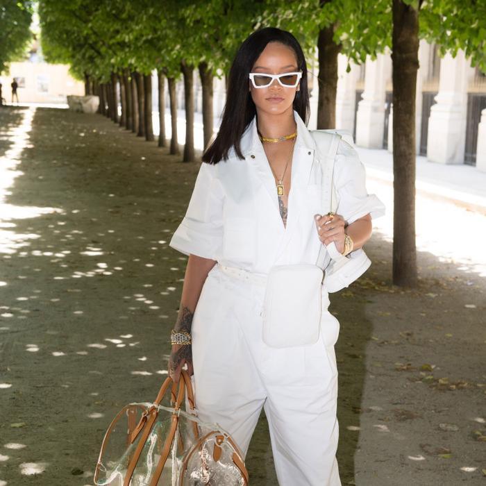 Nguyên bộ đồ của Rihanna trong show Xuân Hè 2019 tại Tuần lễ Thời trang Paris.