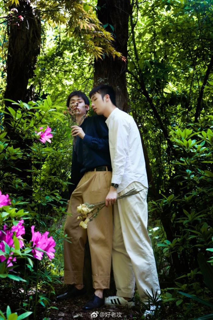 Xuýt xoa với bộ ảnh 'thanh xuân của hai chàng trai' cực tình tứ và lãng mạn