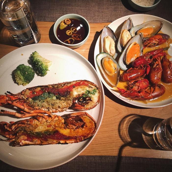 Ngập tràn hương vị hải sản tại The Log -Ảnh: Mnblue