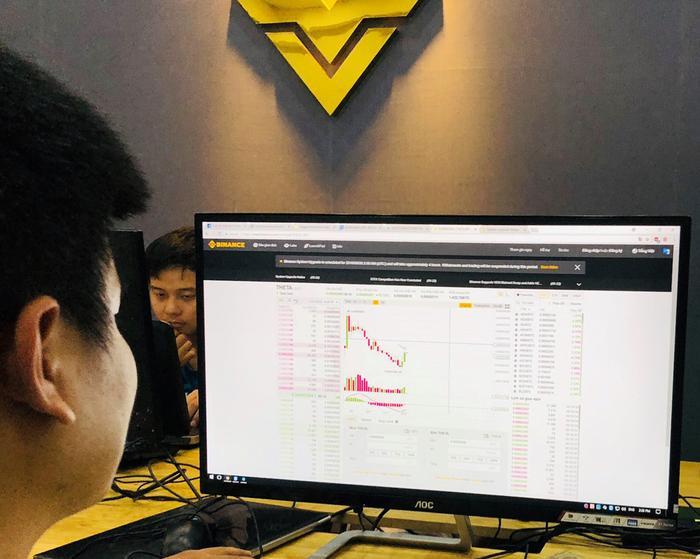 Thị trường Bitcoin không còn sôi động với những đợt tăng hàng chục phần trăm nhưng vẫn khiến nhiều người bỏ thời gian, tiền của để tham gia.