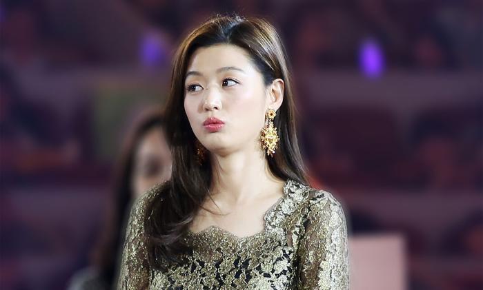 """… """"Mợ chảnh""""Chun Song Yi vì theo cô thì cả 2 có nhiều điểm giống nhau."""