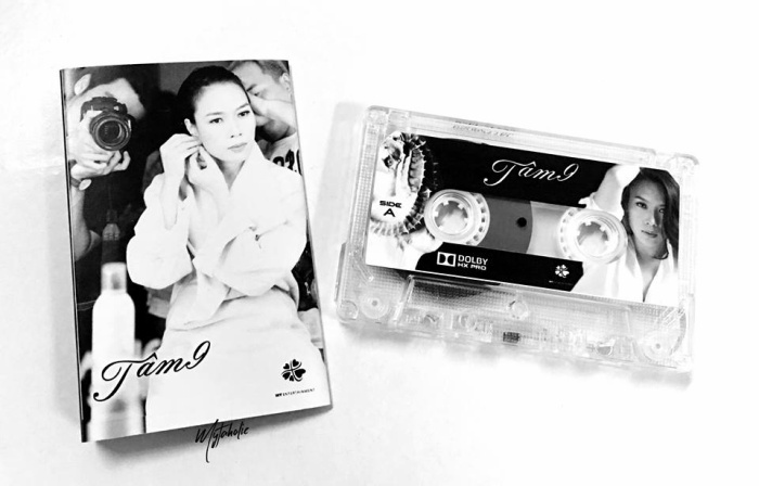 Hình ảnh băng cassette album Tâm 9 được chia sẻ khiến cư dân mạng thích thú. (nguồn: fanpage Mytaholic)