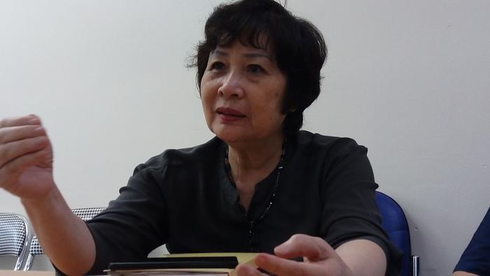 Cô Nguyễn Thị Nga nhớ lại những câu chuyện bi hài đã từng chứng kiến.
