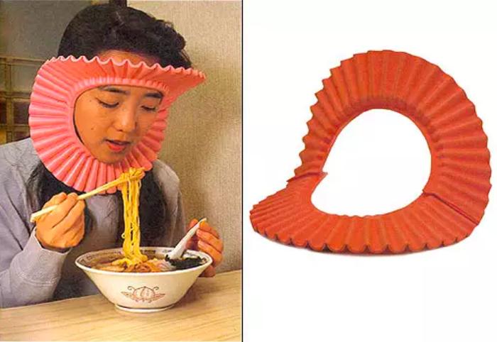 Chỉ những người tóc dài mới thẫu hiểu nỗi khổ khi ăn uống, còn người Nhật thì luôn luôn tìm được giải pháp của mình.