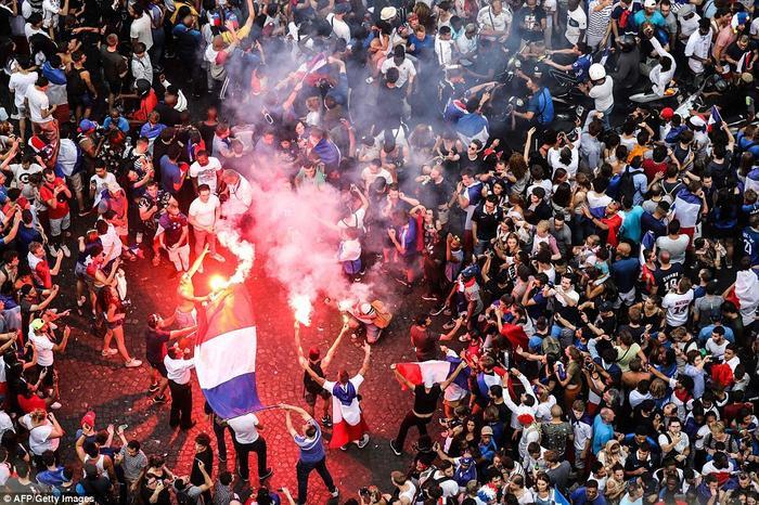 """Chiến thắng trước Croatia đưa đội quân của """"những chú gà trống Goloa"""" lần thứ 2 giành vô địch World Cup trong 20 năm qua. Ảnh: AFP"""