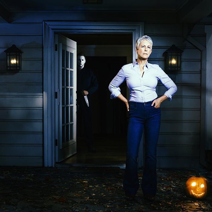 Laurie Strode và tên sát nhân đằng sau cánh cửa.