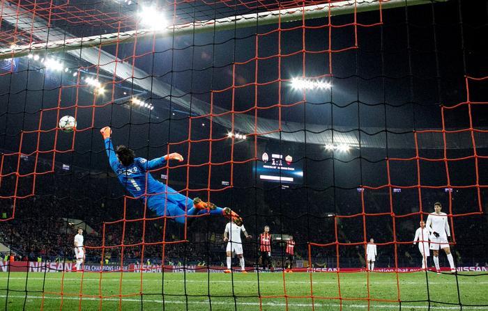 Alisson nhanh chóng khẳng định được tài năng chỉ sau 1 mùa bắt chính tại Roma.