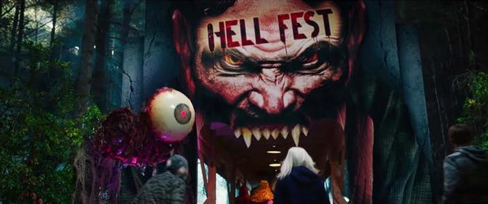 Trailer phim kinh dị Hell Fest: Những ám ảnh kinh hoàng bên trong lễ hội Halloween và ngôi nhà ma ảnh 1