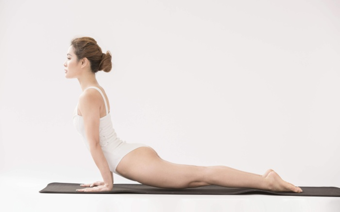 """Thời gian đầu khi mới luyện tập Yoga, bản thân Phương Trinh cũng không nghĩ mình là """"con nghiện"""" cho đến khi mọi người xung quanh nhận ra sự thay đổi của cô nàng."""