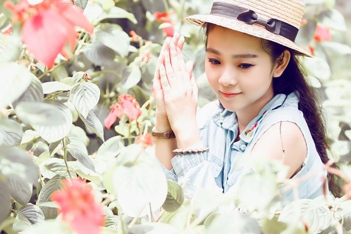 Vẻ xinh đẹp rạng ngời của Triều Dâng.