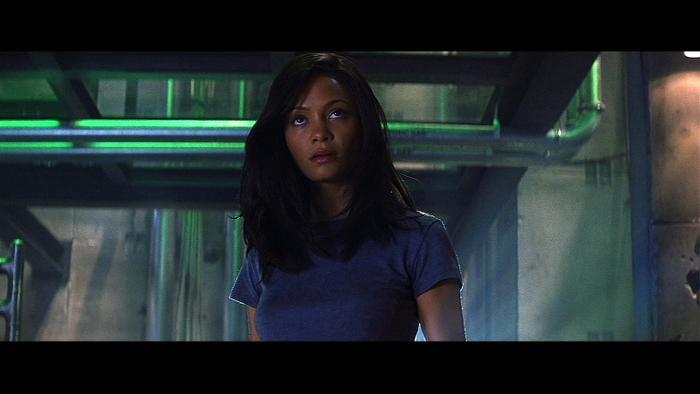 Cô hóa thân trong vai diễnNyah Nordoff-Hal – một nữ đạo chích đá quý