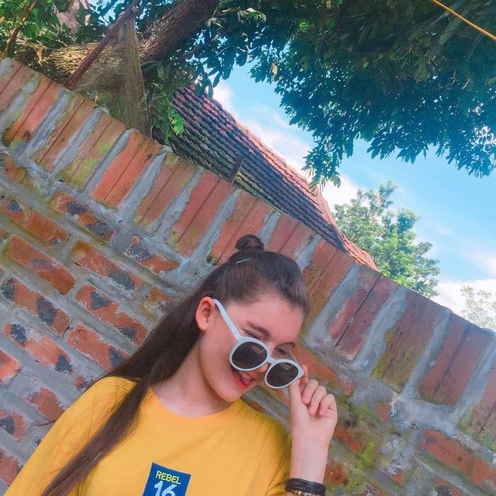 Cận cảnh nhan sắc nữ sinh Việt lai Nga đẹp như búp bê đang gây bão mạng  Mới 13 tuổi đã cao 1m70 ảnh 10