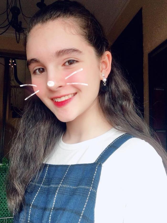 Nguyễn Ngọc Hằng sở hữu chiều cao ấn tượng 1m70, nữ sinh 13 tuổi đang là người mẫu của nhiều nhãn hàng.