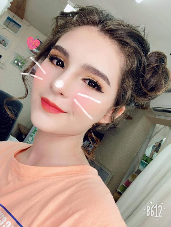 Cận cảnh nhan sắc nữ sinh Việt lai Nga đẹp như búp bê đang gây bão mạng  Mới 13 tuổi đã cao 1m70 ảnh 7