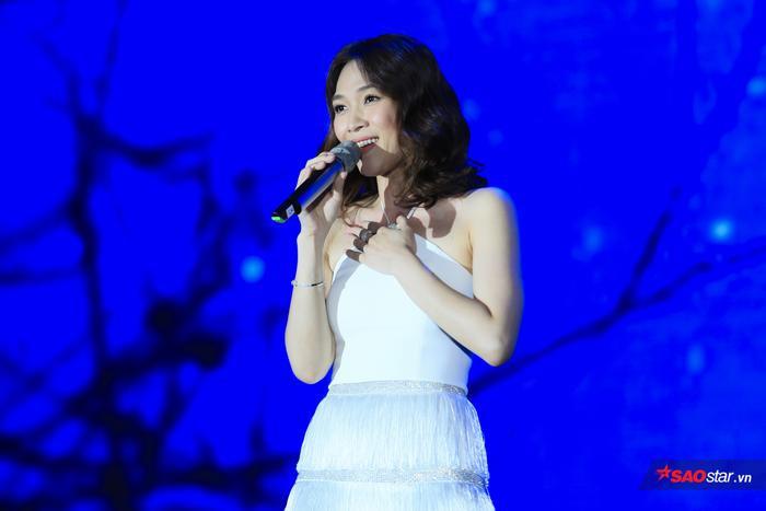 Mỹ Tâm xuất hiện rạng rỡ trong một sự kiện âm nhạc tại Hà Nội.