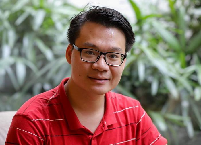 Thầy Vũ Khắc Ngọc - giáo viên tại Hà Nội. Ảnh: NVCC/ Nguồn: Zing.vn.