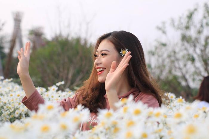 Nghe Hoa khôi tài năng đẹp không tì vết của Học viện Âm nhạc chia sẻ ước mơ trở thành ngôi sao nhạc Cách mạng ảnh 8