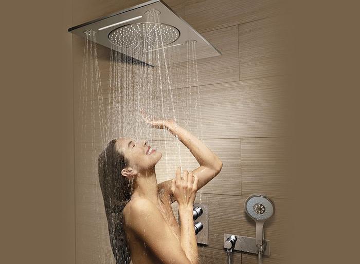 Ngoài ra bạn nên vệ sinh thân thể, tắm đều đặn mỗi ngày.