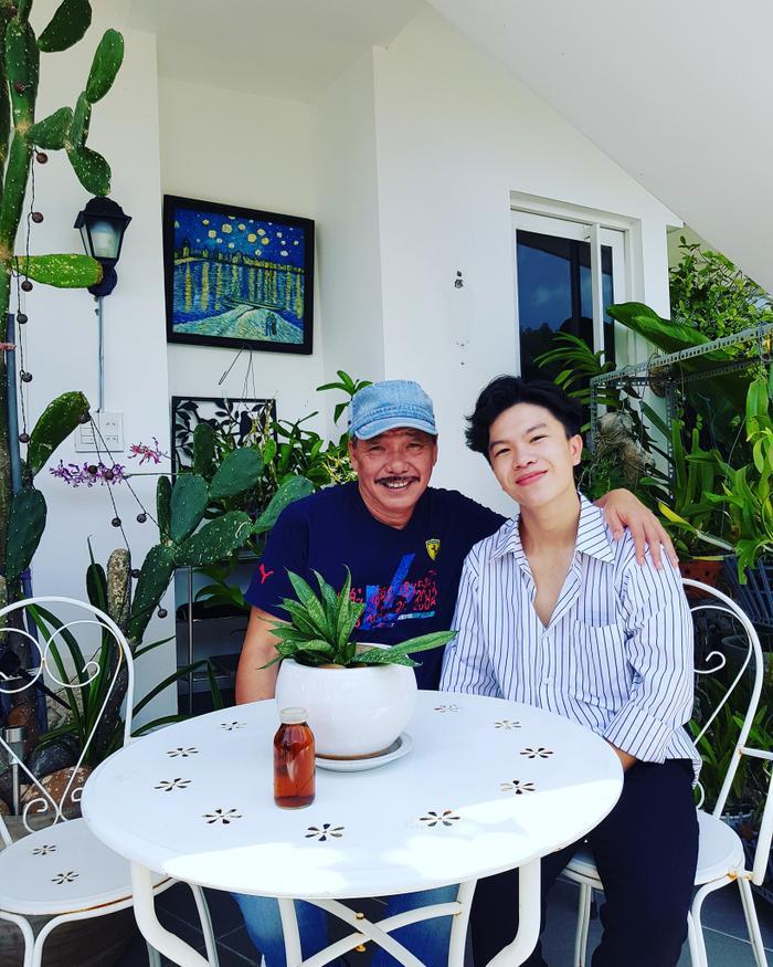 Chàng trai đã có những trải nghiệm thật tuyệt vời tại nhà riêng của nhạc sĩ Trần Tiến.