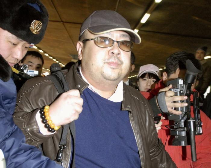 Ông Kim Jong-nam tại sân bay Bắc Kinh, Trung Quốc tháng 11/2007. Ảnh: Reuters