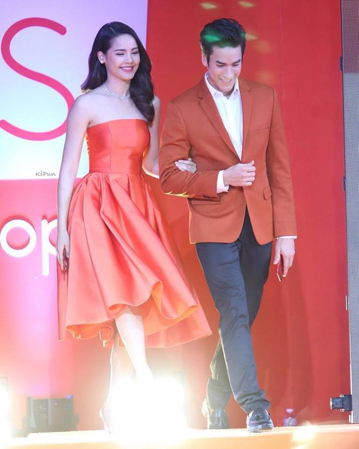 4 cặp đôi trai tài gái sắc của điện ảnh Thái Lan đã chứng tỏ: Yêu càng lâu thì càng đậm sâu ảnh 7