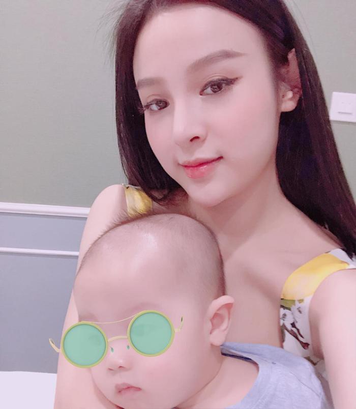 Huyền Baby: Hành trình lột xác từ hot girl 'mặt búng ra sữa' đến hot mom sang chảnh thời hiện đại