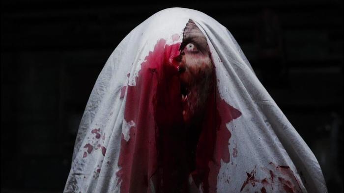 Trước khi tái ngộ ma sơ Valak, hãy điểm lại những khoảnh khắc đáng sợ nhất của 'The Conjuring' ảnh 5