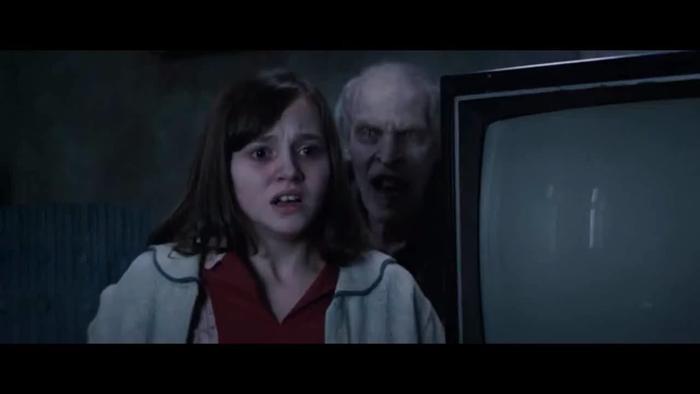 Trước khi tái ngộ ma sơ Valak, hãy điểm lại những khoảnh khắc đáng sợ nhất của 'The Conjuring' ảnh 2