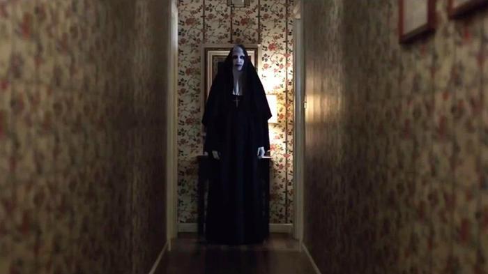 Trước khi tái ngộ ma sơ Valak, hãy điểm lại những khoảnh khắc đáng sợ nhất của 'The Conjuring' ảnh 6