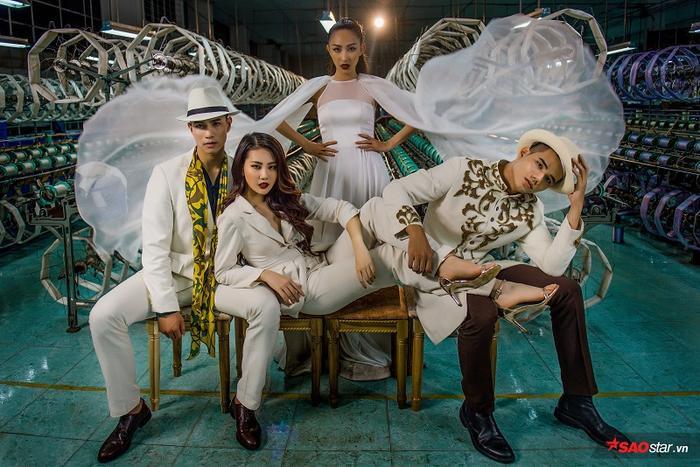 Tấm ảnh đội Hương Giang được khen hết lời vì bố cục nhịp nhàng, người mẫu tạo dáng tốt giúp trang phục phô diễn được hết vẻ đẹp.