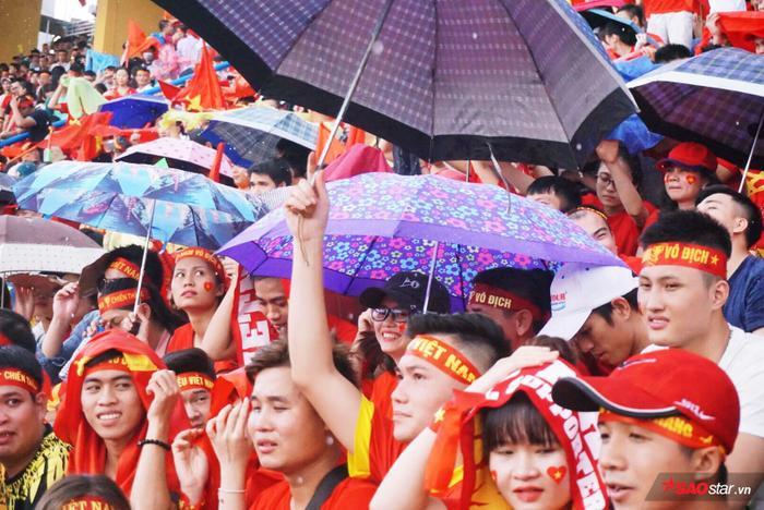 Trận đấu cuối cùng này thì xíu mưa có làm sao.
