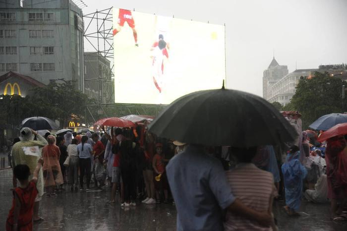 Khung cảnh ở phố đi bộ Nguyễn Huệ.