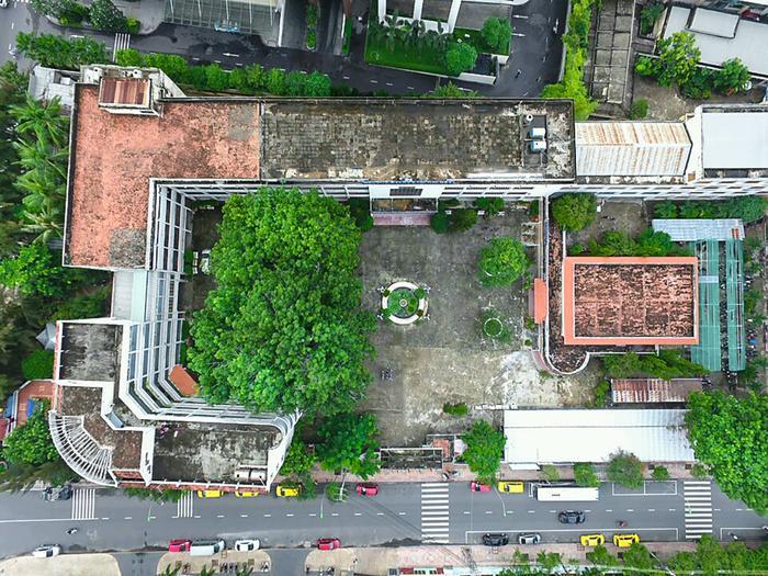 Khuôn viên xanh của trường ĐH Khánh Hòa.