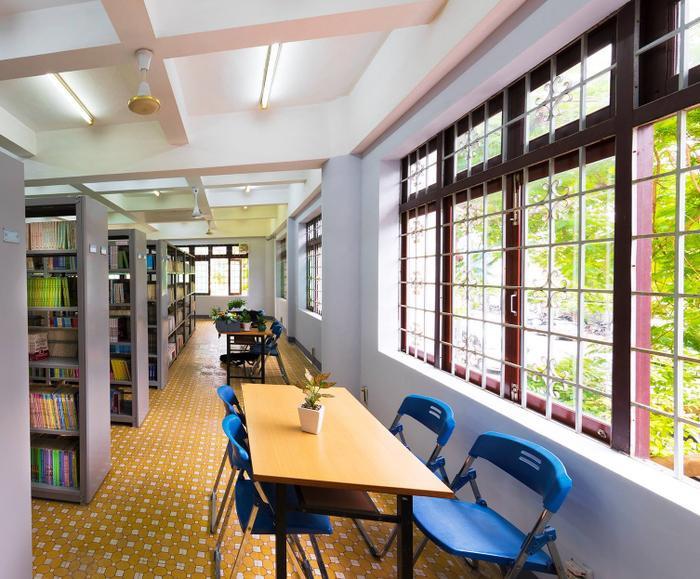 Một góc của thư viện trường.