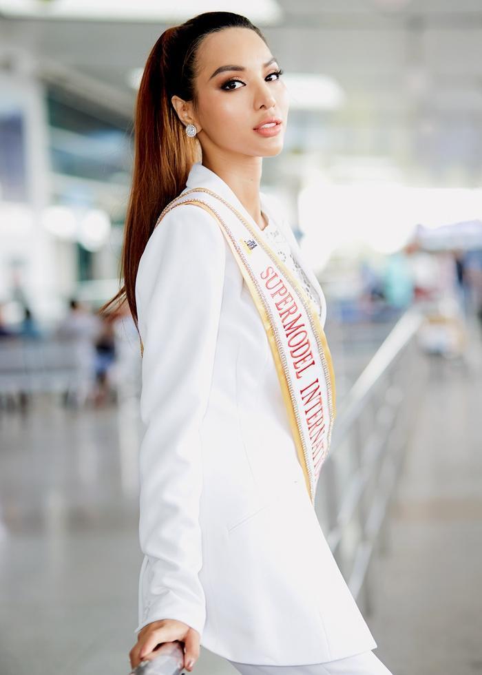 """Đã chinh chiến 2 lần tại các cuộc thi Quốc tế, Khả Trang được cho là ứng viên giàu kinh nghiệm trên """"sàn đấu"""" thế giới."""
