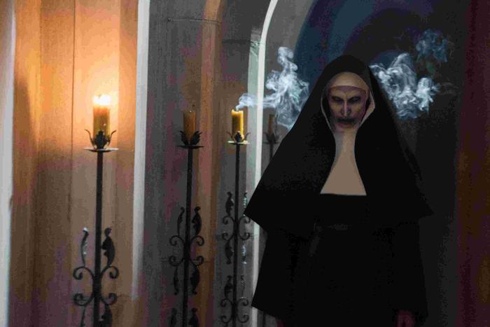 Phim The Nun mở màn với 131 triệu USD toàn cầu, đứng đầu doanh thu của Vũ trụ kinh dị The Conjuring ảnh 0