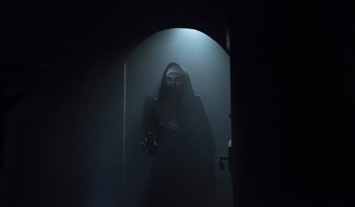 Phim The Nun mở màn với 131 triệu USD toàn cầu, đứng đầu doanh thu của Vũ trụ kinh dị The Conjuring ảnh 2
