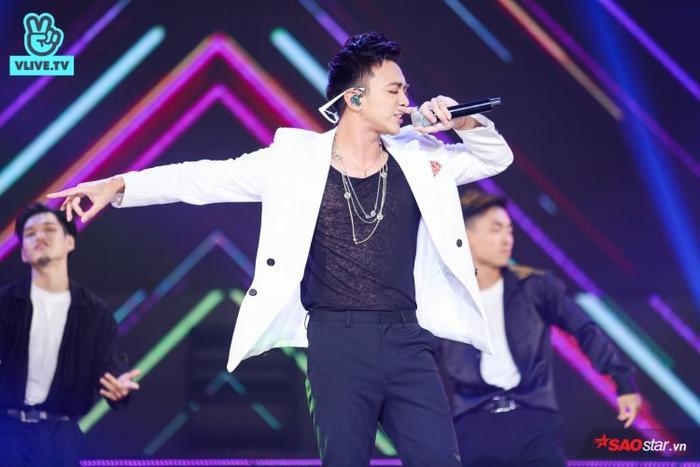 Queen's Việt thay Jiyeon tạo nên màn song ca đầy cảm xúc cùng Soobin Hoàng Sơn.