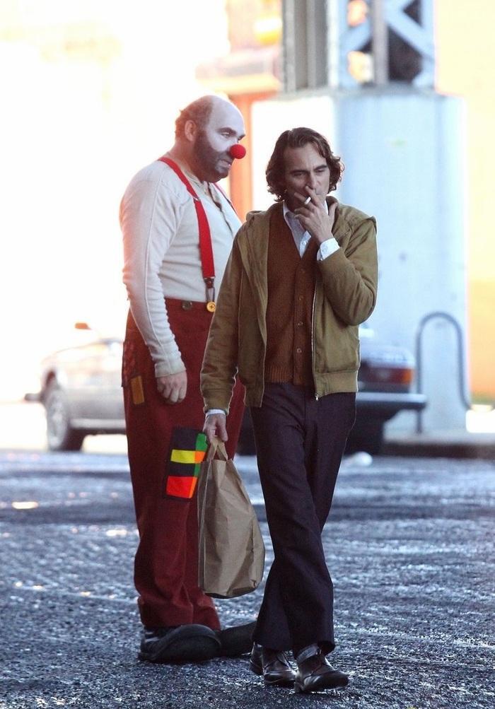 Hé lộ những hình ảnh đầu tiên của 'Joker phiên bản mới' Joaquin Phoenix ảnh 1