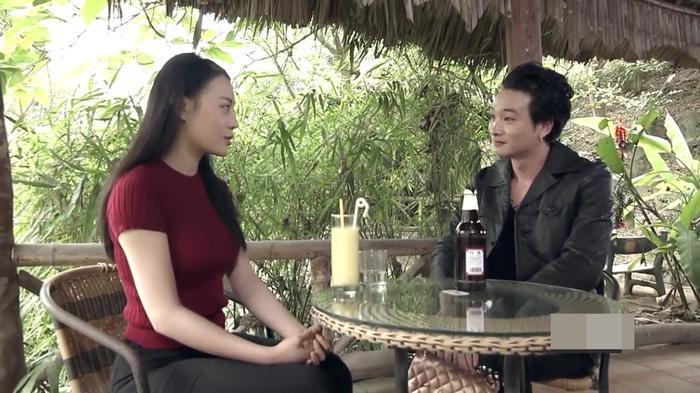 """Phong và Quỳnh thân mật với nhau trong tập 12 bộ phim """"Quỳnh búp bê"""""""