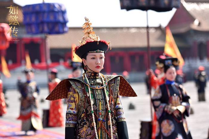 Theo đúng điển chế, sau khi Hoàng hậu nhận kim sách và phượng ấn tại tẩm cung sẽ tiến về Thái Hòa điện để tạ ơn Hoàng đế.
