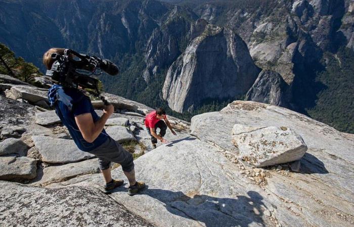 Cảnh Alex chinh phục núi El Capitan đã được các nhà làm phim quay lại và làm thành một bộ phim tài liệu.