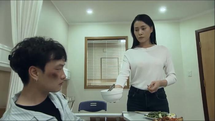 Quỳnh dụ dỗ Phong để trở thành bà chủ của Thiên thai