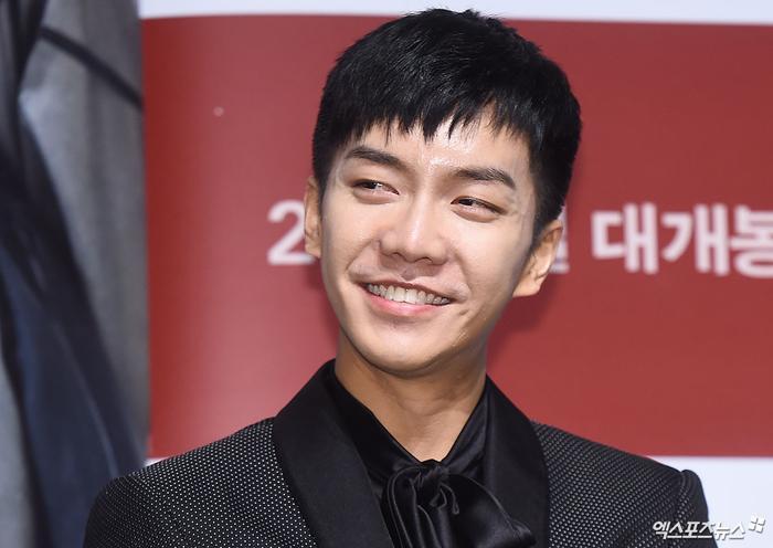 Điểm mặt 27 sao Hoa và Hàn sở hữu má lúm duyên khiếm fan điêu đứng ảnh 6